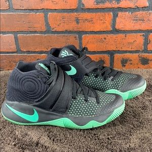 Nike Kyrie Irving 2 Black & Green Glow Size 8.5
